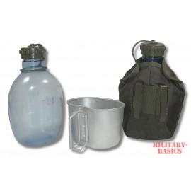 öster. Feldflasche mit Feldflaschenbecher